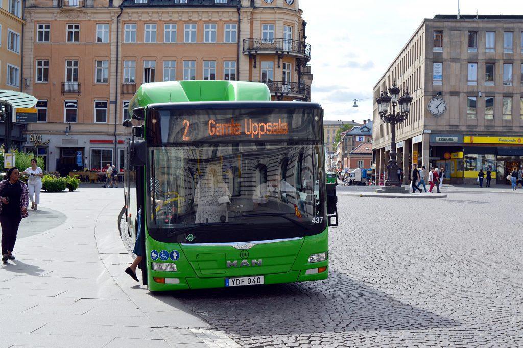 Buss som drivs med miljövänlig lokalt producerad biogas